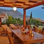 Al Fresco Dining at Villa Acacia